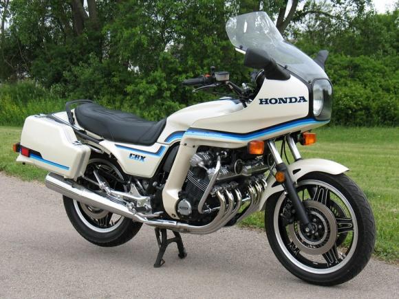 1982_Honda_CBX_Supersport_White_For_Sale_Front_resize.jpg.907a3a14af9330fdeb97cc3428c8bdef.jpg
