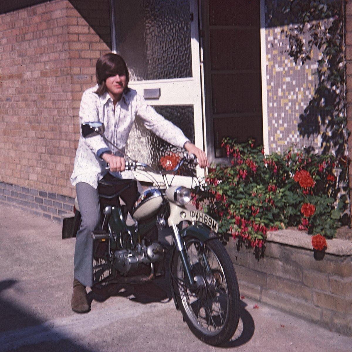 Hull 1975 (2).jpg